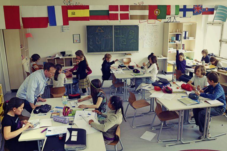 04.05.2009 Deutschland, Berlin, Berlin Metropolitan School, Linienstrasse 122-124,Mathemathikunterricht in der 5. Klasse.-DIGITAL PHOTO.50MB. Copyright:Jens Rötzsch